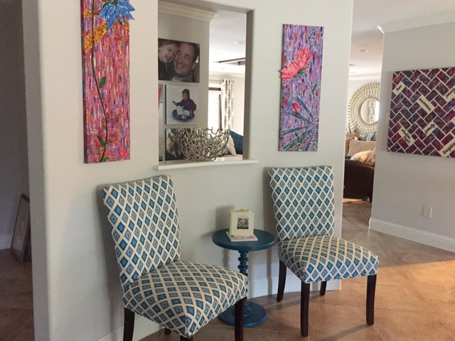 entry-wall-chairs